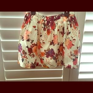 High waisted skirt , beautiful with a tank top !